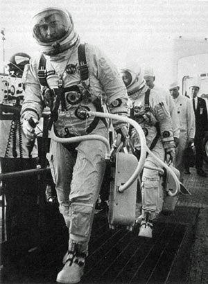 Young and Grissom walking to Gemini 3 before launch